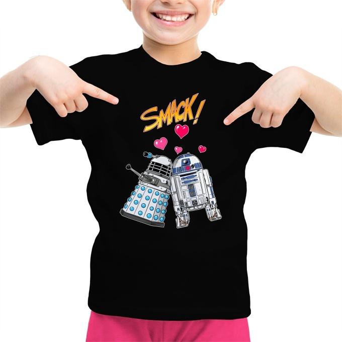 93125113265ec Funny Star Wars Girls Kids T-shirt - R2-D2 and a Dalek in Love (Star Wars  Parody) (Ref 1060)