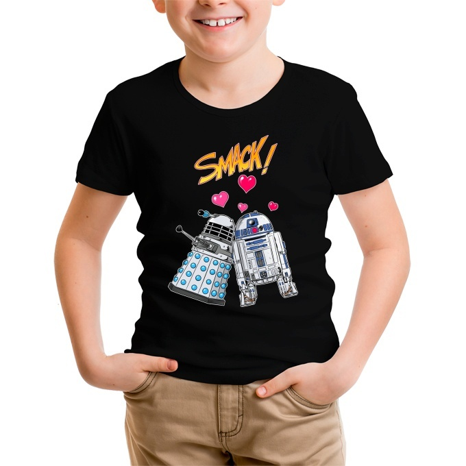0d4ed1f00c777 Funny Doctor Who - Star Wars Kids T-Shirt - R2-D2 and a Dalek in Love  (Doctor Who - Star Wars Parody) (Ref 1060)