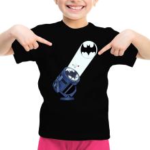 T-shirts  parodique Batman et son célèbre Bat-Signal : Bat Projecteur !! (Parodie )