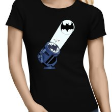 T-shirts Femmes  parodique Batman et son célèbre Bat-Signal : Bat Projecteur !! (Parodie )