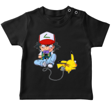 T-shirts  parodique Pikachu et Sasha : Batterie de Secours (Super Deformed) (Parodie )