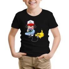T-shirt Enfant  parodique Pikachu et Sasha : Batterie de Secours (Super Deformed) (Parodie )