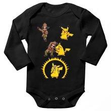 Body bébé manches longues  parodique Pikachu et Sherlock Holmes aka Détective Pikachu : Une Fusion élémentaire... :) (Parodie )