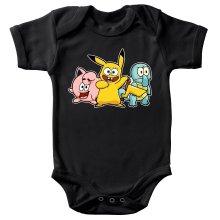 Body bébé  parodique Bob, Carlo et Patrick cosplayés en Pikachu, Carapuce et Rondoudou : Une troupe de joyeux Cosplayers :) (Parodie )